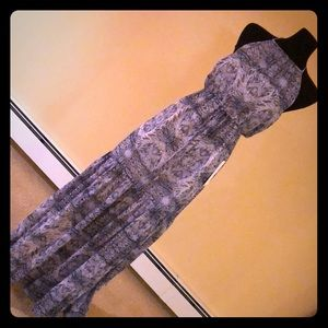 NWT BCBG Gorgeous blue and white print maxi dress